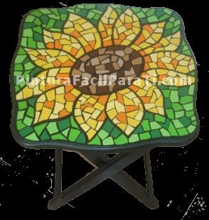 mesa-pintada-con-mosaico-flores